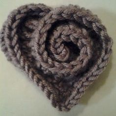 Ravelry: rosy heart pattern by Mia's Heartful Hands