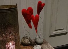 Ting å lage: Hjerter av ull Needle Felting, Most Beautiful Pictures, Decoupage, Diy And Crafts, Christmas Decorations, Christmas Ideas, Candle Holders, Presents, Ornament
