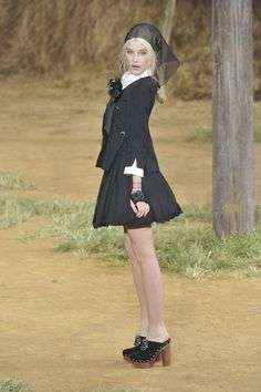 ☆ Dree Hemingway at Chanel   Spring/Summer 2010 ☆ #Chanel #Dree_Hemingway #2010 #Fashion_Show