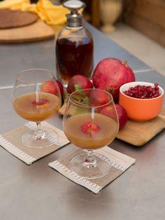 Spiced Bourbon-Apple Cider recipe from Geoffrey Zakarian via Food Network Bourbon Apple Cider, Apple Cider Cocktail, Cider Cocktails, Spiced Cider, Fall Recipes, Holiday Recipes, Drink Recipes, Holiday List, Holiday Foods