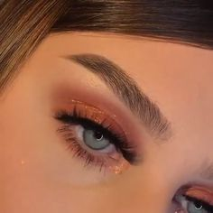 ICONIC FASHION We prepared 2020 autumn-winter makeup trends for you. Let's see which makeup trends will be at the forefront. Cute Makeup Looks, Makeup Eye Looks, Eye Makeup Art, Glam Makeup, Pretty Makeup, Skin Makeup, Eyeshadow Makeup, Glamorous Makeup, Eye Makeup Tutorials