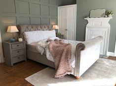 Easy way to create wood paneling - End of the Row Girl Bedroom Walls, Guest Bedroom Decor, Bedroom Green, Guest Bedrooms, Home Bedroom, Master Bedroom, White Paneling, Wooden Panelling, Living Room Panelling