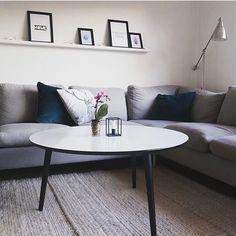 Se lige hvor godt de lækre blå puder hjemme hos @rikkei gør sig i den grå sofa!  Tak for billedet og tagget #boligindretningogdiy! #bolig #boliosdk #boligindretning #diy #doityourself #bluelove #blåpuder #repost #livingroom #simple #interior #design #interiordesign #love #like #homedecor #decor #home #beautiful #plant #greenliving #danish - Architecture and Home Decor - Bedroom - Bathroom - Kitchen And Living Room Interior Design Decorating Ideas - #architecture #design #interiordesign #diy…