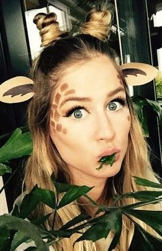 Giraffe makeup is the new cat makeup—if Pinterest searches have anything to say about it.