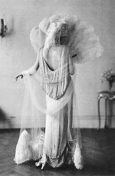 1920s flapper wedding dress
