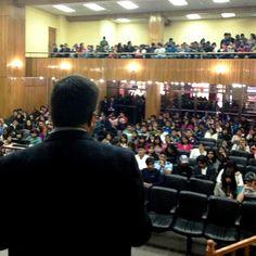 La conferencia en la UNIVALLE sobre la disputa entre economía de emprendedores o de rentistas fue muy concurrida.