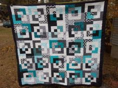 NEW MODERN Black White and Teal QUILT, HANDMADE contemporary bedding Black And White Quilts, Black Quilt, Black White, Bright Quilts, Blue Quilts, Crochet Quilt Pattern, Quilt Patterns, Quilting Projects, Quilting Designs