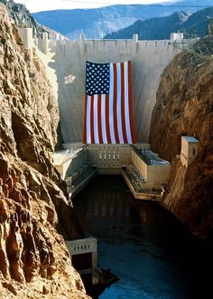 Hoover Dam, world's largest American flag, 1996