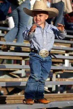 my future son is going to have an outfit like this...
