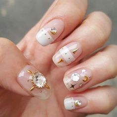 22 Nude Nail Art Designs With Bling And Glitter Nail Art nail art korean Nail Art Cute, Bling Nail Art, Glitter Nail Art, Bling Nails, My Nails, Nail Art Designs, Elegant Nail Designs, Elegant Nails, Beautiful Nail Designs