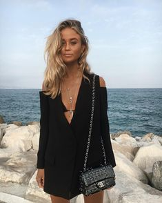 Cold shoulder cute little black dress. Style Outfits, Casual Outfits, Cute Outfits, Fashion Outfits, Womens Fashion, Diy Fashion, Spring Summer Fashion, Spring Outfits, Autumn Fashion