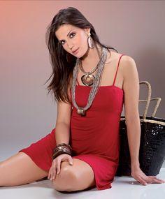 Lara indossa i Bijoux della collezione 2013 Naturalia di Barbieri Creazioni