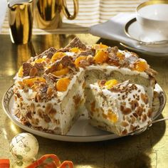 Weihnachts-Mandarinen-Torte Our popular recipe for Christmas tangerine cake and more than more free recipes on LECKER. Christmas Food Ideas For Dinner, Christmas Cooking, Xmas Desserts, Dessert Recipes, Tangerine Cake Recipes, Cake Cookies, Cupcake Cakes, German Cake, Occasion Cakes