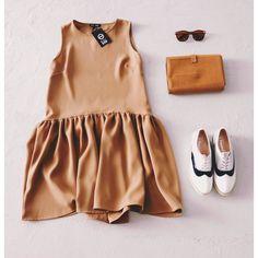 #style #fashion #forumody #blackbow #stagors #labrador #brylove #dress #sunnies #casual