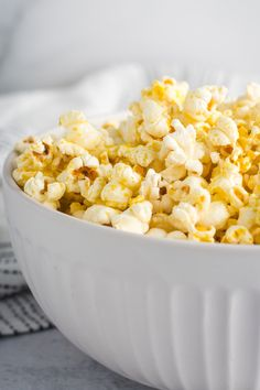 Easy, cheesy vegan popcorn made on the stovetop! To get that indulgent cheesy flavor, this popcorn is seasoned with nutritional yeast and vegan butter. Vegan Snacks, Easy Snacks, Vegan Recipes, Snack Recipes, Vegan Ideas, Salad Recipes, Sausage Breakfast, Eat Breakfast, Breakfast Recipes