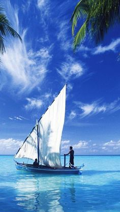 Sailing on the Indian Ocean - my next boat? Segel Im Wind, Dream Vacations, Vacation Spots, Places To Travel, Places To See, Beautiful World, Beautiful Places, Beautiful Scenery, Beautiful Islands
