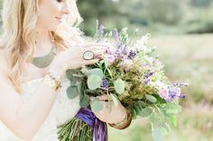 Cologne Wedding Photography Session | http://flyawaybride.com/cologne-wedding-photography-session/ By Kibogo Photography #Wedding #Flowers #Dress #Bouquet #Bride #Outdoor #Purple #Green