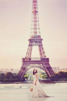 My very good friend Julian, owner of Julian N. Photography recently did a shoot in Paris. He is amazing!