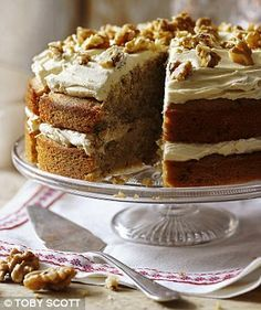 Let's go nuts! Coffee and walnut cake Tea Cakes, Food Cakes, Cupcake Cakes, Cupcakes, Coffee And Walnut Cake, Coffee Cake, Baking Recipes, Cake Recipes, Dessert Recipes