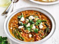 Unser beliebtes Rezept für Feta-Kichererbsen-Curry und mehr als 55.000 weitere kostenlose Rezepte auf LECKER.de.