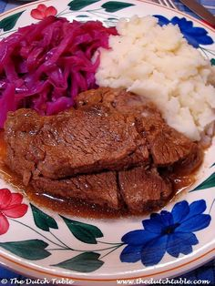 The Dutch Table: Draadjesvlees (Dutch Braised Beef) Meat Recipes, Cooking Recipes, Amish Recipes, German Recipes, Supper Recipes, Potato Recipes, Traditional Dutch Recipes, Braised Beef, English Food