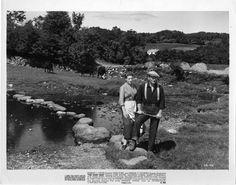 Maureen O'Hara and John Wayne The Quiet Man End Scene - classic-movies Photo Scene Photo, Movie Photo, Golden Age Of Hollywood, Old Hollywood, Classic Hollywood, Irish Movies, John Wayne Movies, Maureen O'hara, John Ford