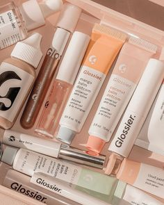 aesthetic beauty makeup skincare glossier pastel pink green peach aesthetic products wallpaper p a s t e l m i n d Beauty Make-up, Beauty Care, Beauty Skin, Beauty Tips, Aesthetic Beauty, Aesthetic Makeup, Aesthetic Dark, Aesthetic Collage, Peach Aesthetic
