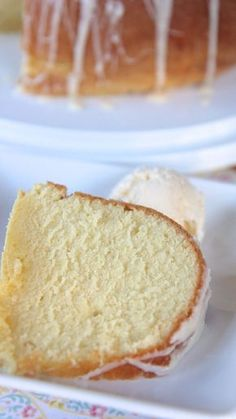 You've never had a pound cake like this! Unique flavors blend together in a delicious way with this Five Flavor Pound Cake. Drizzle a powdered sugar glaze on top for a pretty look. Five Flavor Pound Cake, Easy Pound Cake, Pound Cake Recipes, Best Pound Cake Recipe Ever, Pound Cake Icing, Pumpkin Pound Cake, Almond Pound Cakes, Sour Cream Pound Cake, Cake Topper Banner