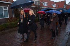 Burgemeester Luzette Wagenaar-Kroon van de gemeente Waterland met minister Melanie Schultz van Haegen.