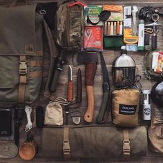 Top bushcraft skills that all survival fanatics will most likely want to learn today. This is most important for bushcraft survival and will spare your life. Bushcraft Gear, Bushcraft Camping, Camping Survival, Outdoor Survival, Camping Gear, Outdoor Gear, Backpacking, Bushcraft Skills, Urban Survival