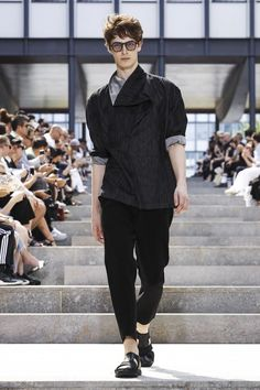 Issey Miyake Menswear Spring Summer 2018 Collection in Paris