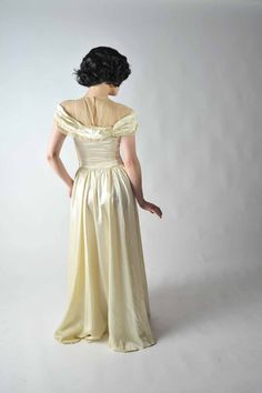 1940s gown Satin (back)