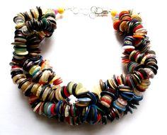 Republika artystyczna by Anna Dunin Holecka, buttons necklace, 2011