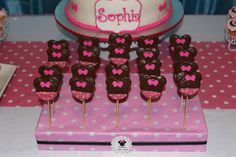 Minnie Mouse Bowtique party, oreo pops
