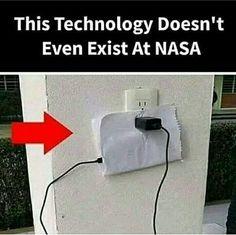 Funny Science Jokes, Very Funny Memes, Funny True Quotes, Funny School Jokes, Some Funny Jokes, Funny Relatable Memes, Funny Facts, Haha Funny, Jokes Quotes