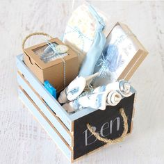 45 Cool Baby Shower Gift Ideas For Baby Boy - babyideaz Baby Boy Gift Baskets, Best Gift Baskets, Baby Shower Gift Basket, Baby Shower Gifts For Boys, Baby Boy Shower, Baby Gifts For Girls, Basket Gift, Baby Boys, Handgemachtes Baby
