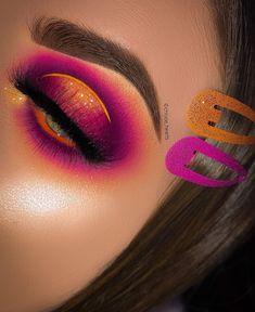 venus makeup palette looks Eye Makeup Cut Crease, Dramatic Eye Makeup, Eye Makeup Steps, Colorful Eye Makeup, Makeup For Green Eyes, Natural Eye Makeup, Smokey Eye Makeup, Eyeshadow Makeup, Beautiful Eye Makeup