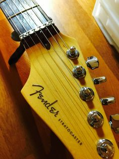 Fender American Deluxe Fat Stratocaster's Roller nut