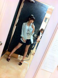 藤江れいなオフィシャルブログ :  デニムコレクション http://ameblo.jp/reina-fujie/entry-11322345354.html