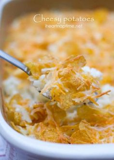 The BEST cheesy potatoes out there from iheartnaptime.net ... Super easy to make and absolutely delicious! #recipes Click for recipe.