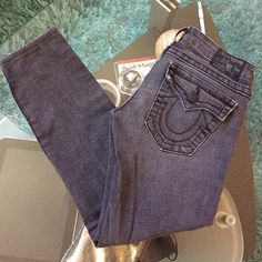 True Religion skinny jeans Good condition destress True Religion skinny jeans size 27 inseam 24.5 True Religion Jeans Ankle & Cropped