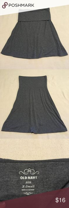 Old navy basic gray knit skirt Old Navy basic gray knit skirt Can be worn with waistband folded up or down for two different looks Very comfortable and versatile Excellent used condition Skirts Midi