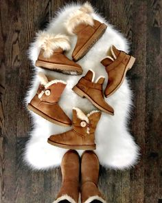 I've been getting a ton of questions about all of my UGG's. So if you have to choose one I'm going to breakdown my favorites for you. Ugg Boots Outfit, Ugg Style Boots, Cute Shoes, Me Too Shoes, Women's Shoes, Vegan Boots, Sheepskin Boots, Shearling Boots, Comfortable Boots