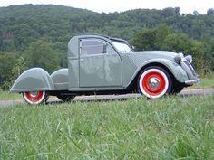 Vintage Cars : Illustration Description et dérivés – Page 49 Cool Trucks, Cool Cars, Vintage Cars, Antique Cars, Psa Peugeot Citroen, Powered Bicycle, 2cv6, Roadster, Kit Cars