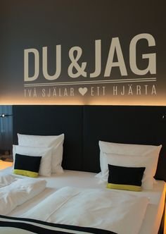 Väggtext: Du & Jag - Två själar, ett hjärta - 200Kr How To Get Better, Love Affirmations, Bed Pillows, Pillow Cases, Bra, Tips, Quotes, Home, Design