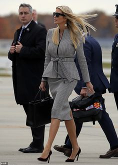 Ivanka Trump flashes a bright smile as she heads to Ohio Ivanka Trump Outfits, Ivanka Trump Style, Business Outfits, Business Attire, Office Outfits, Office Fashion, Work Fashion, Fashion Outfits, Womens Fashion