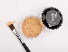 Tap a sufficient amount of concealer into the lid and using either your Concealer Brush (wet) or your Powder Puff Brush (dry) collect concealer on your brush and apply directly to your skin.