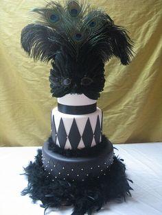 Black and White Masquerade Cake Masquerade Cakes, Masquerade Ball Party, Masquerade Theme, Halloween Masquerade, Themed Wedding Cakes, Themed Cakes, Pretty Cakes, Beautiful Cakes, Anniversary Dessert