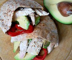 Chicken & Avocado Pitta: 405 Kcals Per Serving Yummy Chicken Recipes, Yum Yum Chicken, Healthy Foods, Healthy Recipes, Pitta, Light Recipes, Healthy Weight Loss, Avocado, Salads
