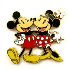 Vintage Mickey & Minnie collectors pin